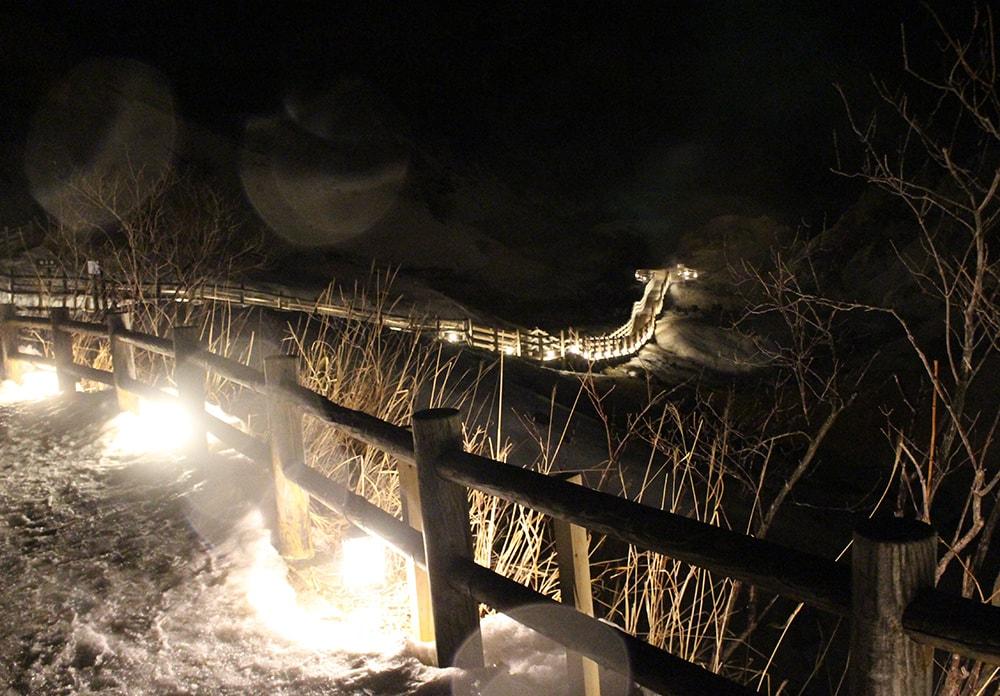 夜のライトアップ 地獄谷遊歩道